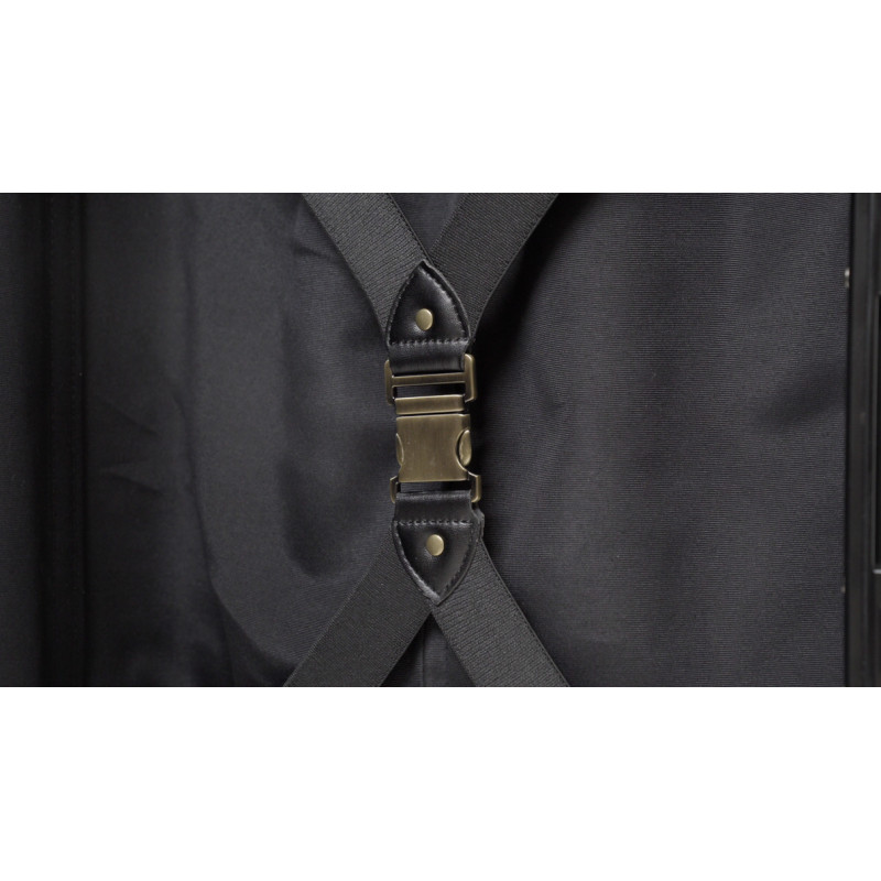 Карбоновый чемодан матовый черный